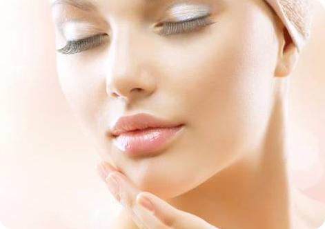 8  مزیت فوق العاده استفاده از  روغن کنجد برای پوست